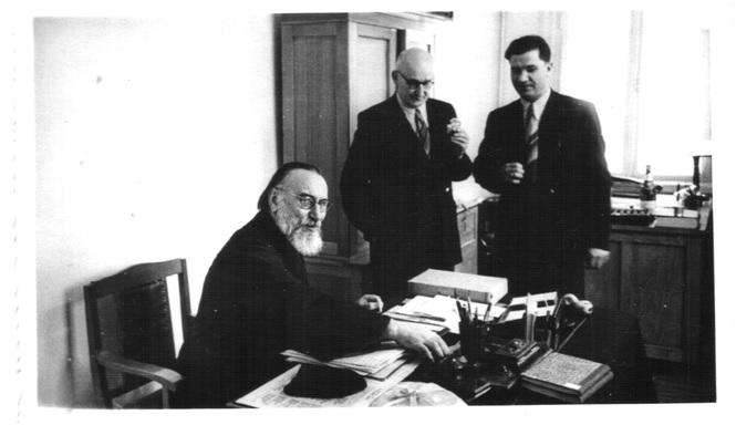 Ректор семінарії о. М. Тучемський з викладачами