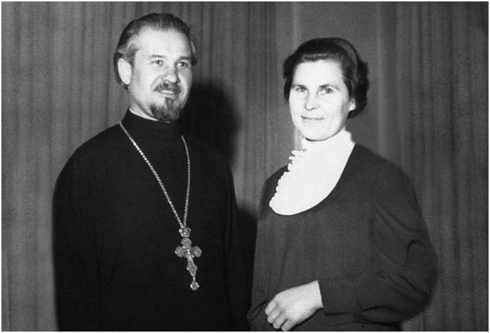О. Петро з матушкою Ольгою на святковому прийомі у Середньоєвропейському Екзархаті