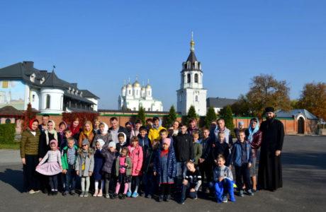 """Паломництво недільної школи """"НІКА"""" до Свято-Успенського Зимненського монастиря"""