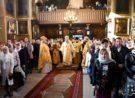 Воскресна Літургія архієрейським чином у Свято-Покровському храмі Луцька