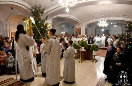 Архієпископ Нафанаїл очолив святкове богослужіння напередодні Богоявлення у кафедральному соборі Луцька